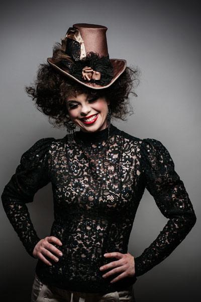 Evelyn Jones - Sångerska